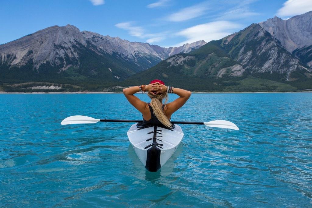 vacances à la montagne en été : lac